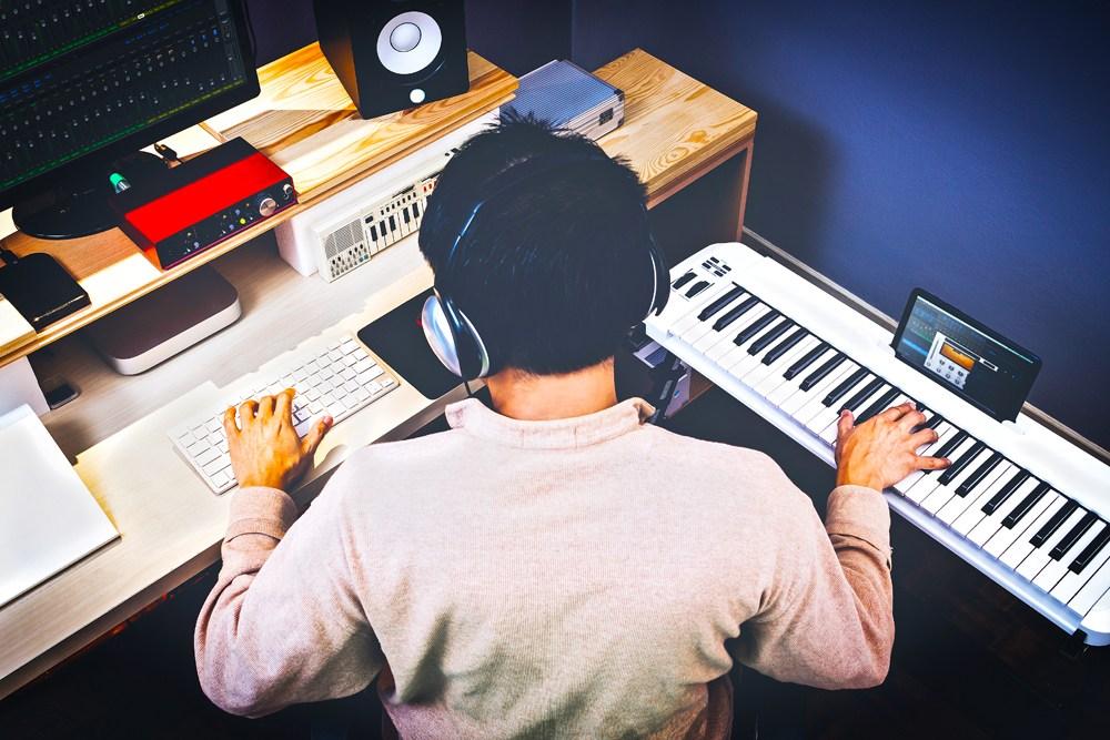SongwriterGoosebumps.jpg